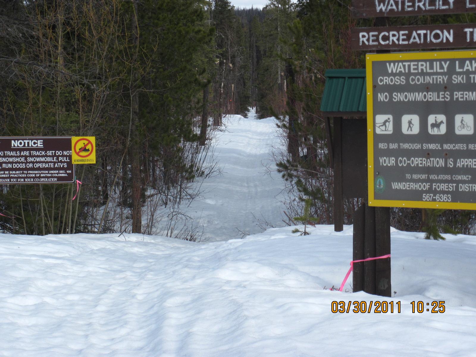 Waterlily Lake Trail
